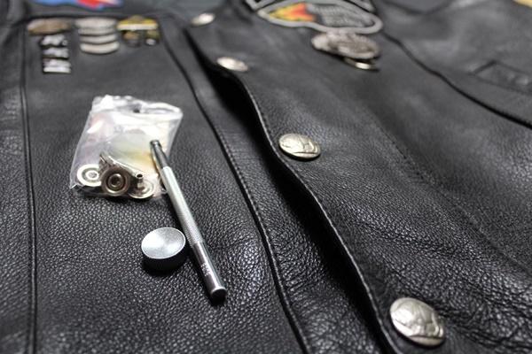 Как установить кнопки на куртку своими руками 34